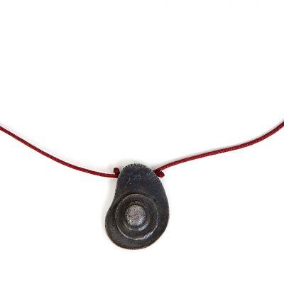 Shop Collar Plata Joyeria Diseno Sostenible Hito Negro Detalle
